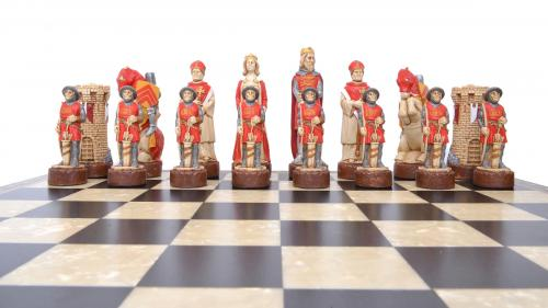 Studio Anne Carlton Battle of Bannockburn British Hand Made Chess Set British Team