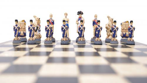 Studio Anne Carlton Battle of Waterloo British Hand Made Chess Set French Face on