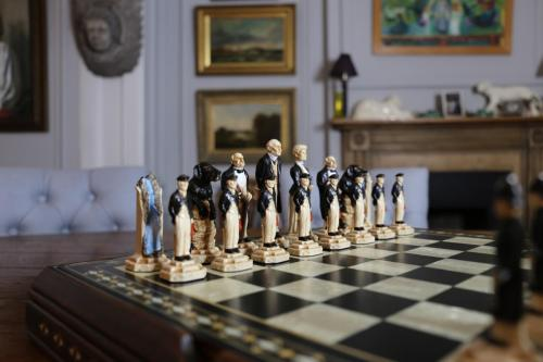 Studio Anne Carlton British Hand Made Chess Sets by Prestigegames.co.uk6
