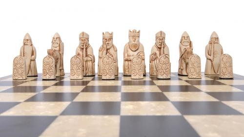 Studio Anne Carlton Isle of Lewis British Hand Made Chess Set White Team