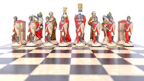 Studio Anne Carlton King Arthur British Hand Made Chess Set Red team