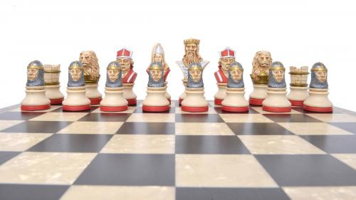 Studio Anne Carlton Richard the Lionheart British Hand Made Chess Set red team