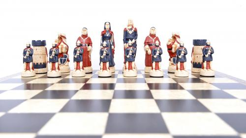 Studio Anne Carlton Robin Hood Chess Set sheriff team