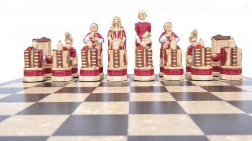 Studio Anne Carlton Shakespere & the Globe British Hand Made Chess Set Red team