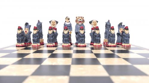Studio Anne Carlton Wizard of Oz British Hand Made Chess Set Wicked Witch Team